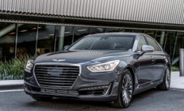 Genesis G90 wins luxury car award in US