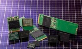 SK hynix develops world's first 4D NAND flash