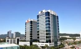 Hyundai Motor shares fall below W100,000