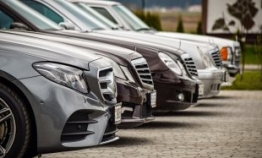 Imported car sales rise 14% in Nov.