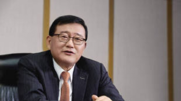 Halla chairman returns as Mando CEO