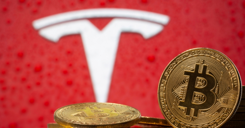 Bitcoin moves with extreme volatility amid warnings