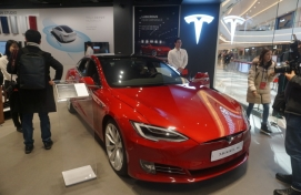 Tesla to install 14 superchargers in Korea