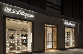 Luxury fashion brands struggle in Korea