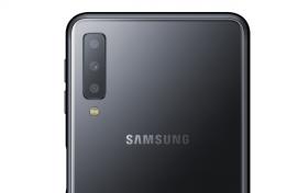 Samsung unveils triple-lens smartphone Galaxy A7