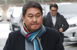 Ex-Kakao CEO acquitted of negligence charges