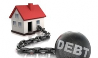 Household debt hits record high in Q3