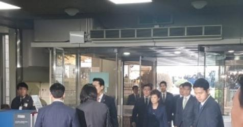 [종합] 박 전 대통령 구속심리 양측 진술 마무리…오후 끝...