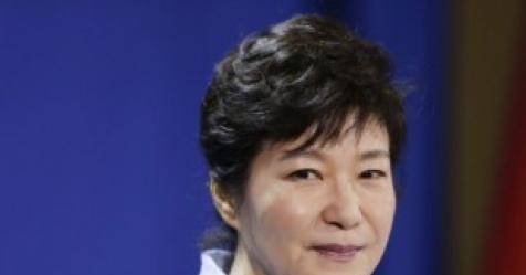 "CIA, 탄핵 몇달 지났는데…""한국의 국가원수, 박근혜"""