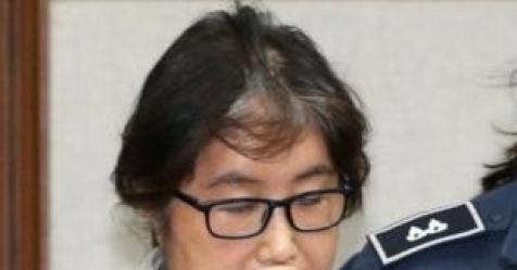 """""""유라는 모른다""""…최순실, 재판서 딸 철통방어"""