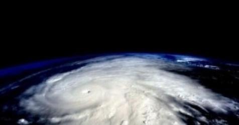 태풍 란 북상에 日 오키나와 비상…행사 줄취소