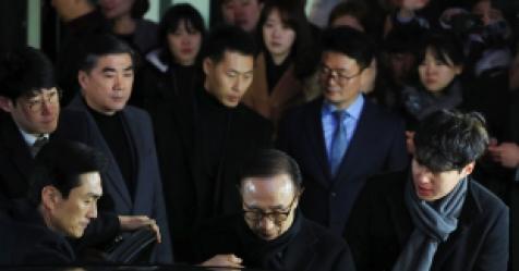 """김희중 """"MB 참모들 진실 모른다..MB 직접 밝혀야"""""""