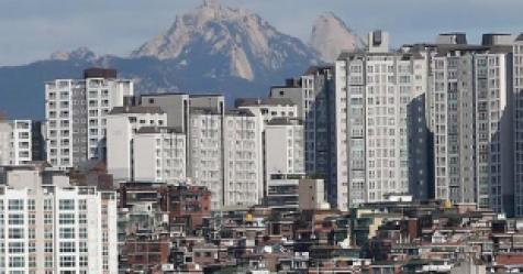 아파트값 5년만에 가장 많이 떨여졌는데…서울은 왜?