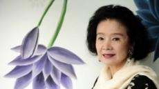 """프랑스서 훈장 윤정희 """"내 45년 연기 인생 인정받아 기뻐"""""""