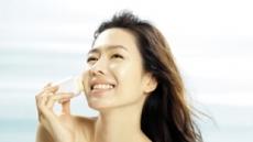 (베스트 브랜드)LG생활건강의 '오휘 스마트커버 선블록'...화장 위에 간편하게 톡톡…