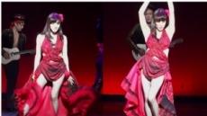 티파니 파격 의상 '화제'… 섹시미 발산