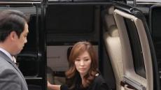 """'경찰출두' 이미숙 """"명예 회복 위해 이 자리에 서.."""""""