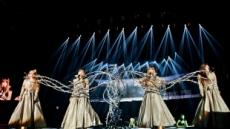 2NE1, 첫 미국 단독콘서트…7천 관객 열광