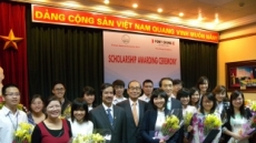 포니정재단, 베트남 대학생 60명에 장학증서 전달