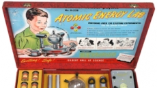 세상에서 가장 위험한 '원자력 실험 장난감'