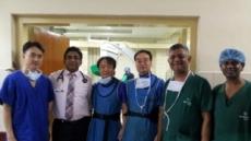 [위크앤드]'반신반의 하던' 스리랑카 의료진,  국내의료진 직접시연에  '환호성'