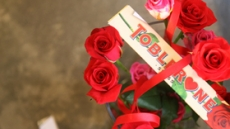스위스'토블론', 발렌타인데이 한정판 장미 패키지 출시