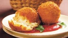 참치·치즈 넣고 튀긴 주먹밥 '아란치니'伊대표 길거리음식