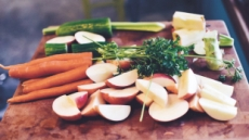 항산화·항염증 시너지 효과…신선한 채소·과일 관절염 통증 줄여준다
