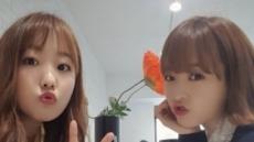 단번에 셀카 여왕으로…친자매 처럼 닮은 박보미ㆍ박보영