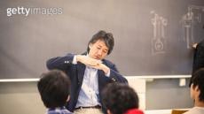 꿀직장 교사?…日 중학교 교사 60%는 '과로사 수준'