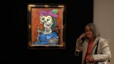 피카소의 '파란 드레스를 입고 앉아있는 여인' 500억원에 낙찰