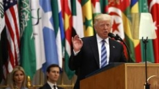 '이슬람 아랍-미국 정상회담' 기조연설하는 트럼프