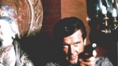 89세로 별세 영국 배우 '로저 무어'는 누구?