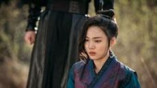 [서병기 연예톡톡] '군주' 윤소희, 아슬아슬한 사극 연기 경계