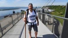 86일간 2100㎞ 맨발 걷기에 도전한 독일인
