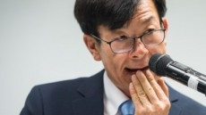 """김상조 """"4대 그룹 규제 집중은 전략 문제…도미노 효과 기대"""""""