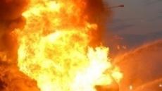 파키스탄서 전복된 유조차에 불…몰려든 주민 123명 사망