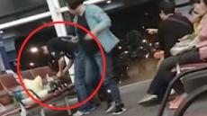 공항에서 '국수 파티'…민망한 중국인 관광객들