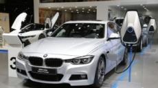 [극과 극 PHEV②]유독 PHEV 앞에서 작아지는 수입차 양대산맥 BMW, 벤츠