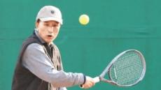 MB, 軍보안시설 기무사서 테니스…또 '황제 테니스' 논란