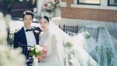 '극강의 커플' 이동건-조윤희 부부 웨딩사진 공개