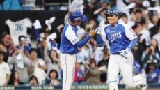 '국민타자' 이승엽 고별전서 연타석 홈런…삼성 넥센에 10-9 승리