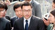 '마약 의혹' MB아들 이시형, 檢출석…모발 등 자진검사
