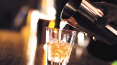 [aT와 함께하는 글로벌푸드 리포트]음주문화 퍼지는 인도'Bar·Pub' 술집 급성장