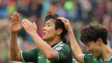 '라이언킹' 이동국, 9시즌 연속 두자릿수 득점…'국내선수 1호'