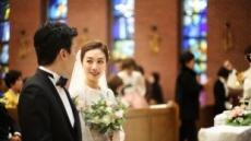 서현진 신혼여행은 로마…결혼식 본식 사진 공개 '우아'