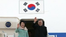 文대통령 첫 訪中…내일 韓中 정상회담