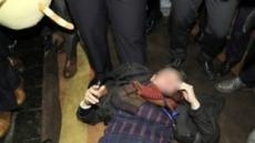 中 공안, 폭행피해 기자들 방문 조사…대사관 직원들 입회