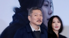 홍상수 감독 이혼소송 첫 재판 10분만에 끝나…부인 '무대응'