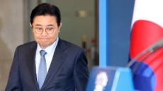전병헌 5억 뇌물혐의 기소…청와대 출신 文인사 첫 법정行